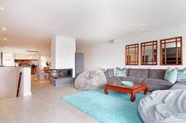 Century City Accommodation - North Bay Villa