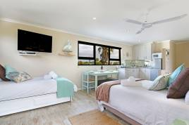 Century City Accommodation - Rothesay 24