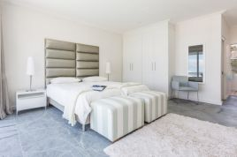 Century City Accommodation - Ocean View Apartment