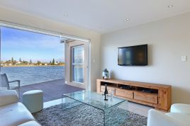 Century City Accommodation - Chandos on Lake