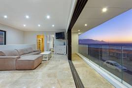 Century City Accommodation - 100 Beach Crescent