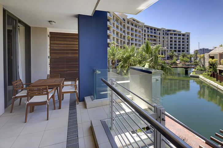 Waterfront Self Catering - Lawhill Luxury Apartments