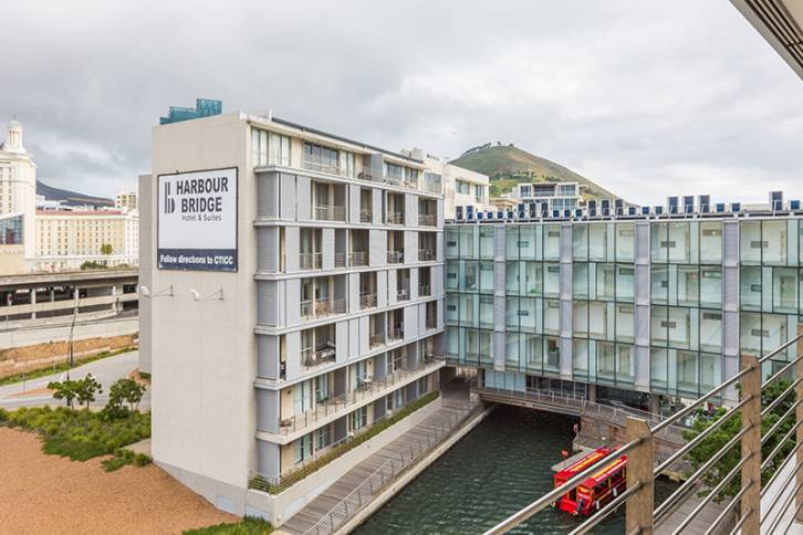 Waterfront Self Catering - Harbour Bridge 2 Bed Superior