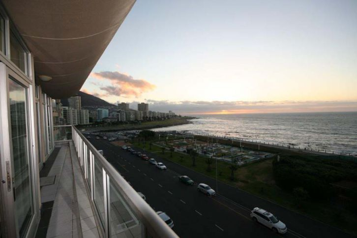 Mouille Point Accommodation - 501 New Cumberland