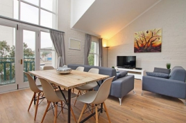 Cape Town Self Catering Accommodation – Hiddingh Loft