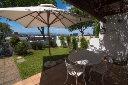 Cape Town Holiday Rental - Loader St Magical Cottage