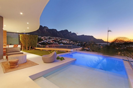 Camps Bay Accommodation - Strathmore Views