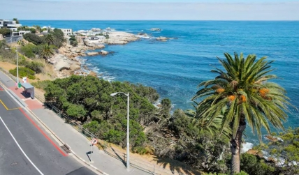 Camps Bay Self Catering – Waters Edge 402
