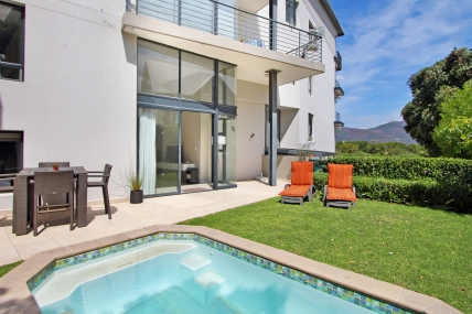 Cape Town Holiday Rental - The Breakers G18
