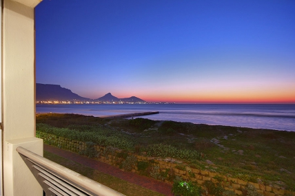 Cape Town Holiday Rentals - Leisure Bay 207