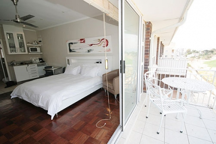 Mouille Point Accommodation – Mouille Point Village