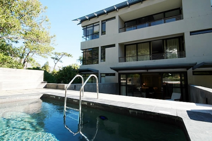 Camps Bay Self Catering - The Glen Apartments