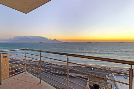 Cape Town Holiday Rentals - The Waves 1001