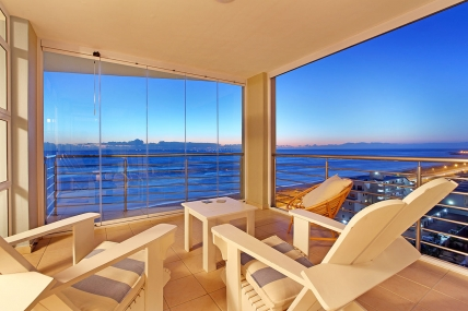 Cape Town Holiday Rental - The Waves 1001