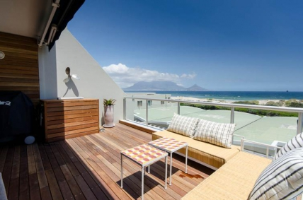 Cape Town Self Catering Accommodation - Dolphin Beach A103
