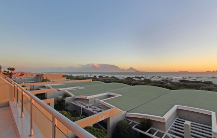 Cape Town Self Catering Accommodation - Dolphin Beach H104