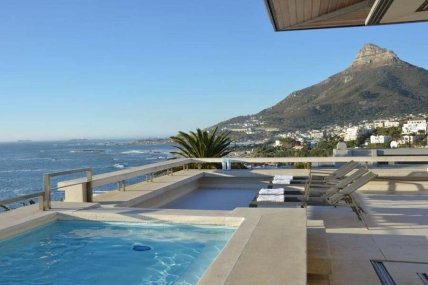 Camps Bay Self Catering – Penthouse 1