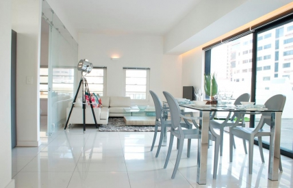 Cape Town Holiday Rentals - The Colosseum Penthouse
