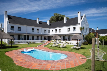 Cape Town Holiday Rentals - The Farmhouse Hotel