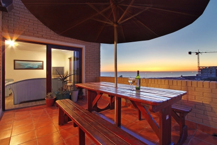 Cape Town Self Catering Accommodation - 12 La Mer