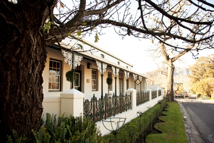Cape Town Holiday Rentals - Avondrood Guesthouse