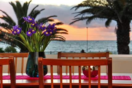 Cape Town Self Catering Accommodation - Adenium Beachfront Apartment