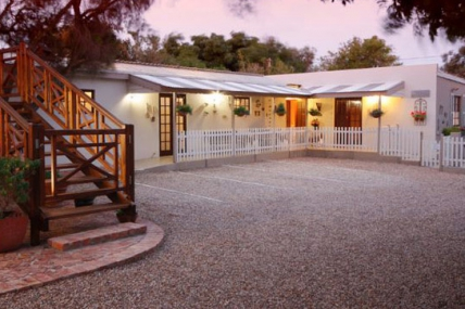 Cape Town Self Catering Accommodation - The Potting Shed Guest House