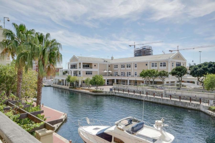 Cape Town Holiday Rentals - Altmore 104