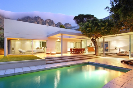 Cape Town Holiday Rentals - Lions View- 5 Bedroom Mainhouse