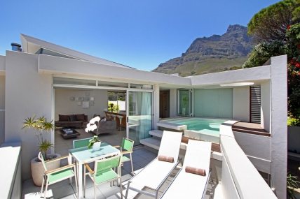 Camps Bay Accommodation - Lions View - 2 Bedroom Penthouse