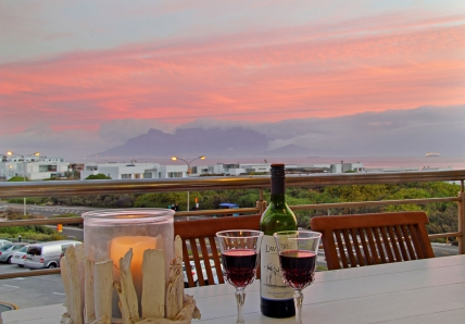 Cape Town Holiday Rentals - Seaside Village B22