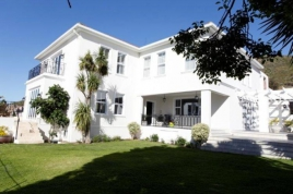 Cape Town Holiday Rentals - Ave LHermite House