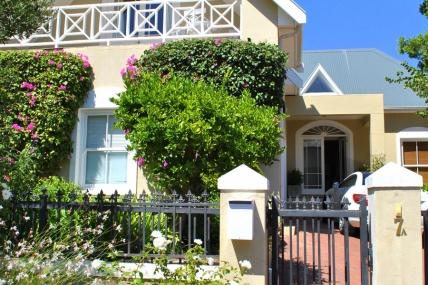 Cape Town Holiday Rentals - Fleur du Soleil