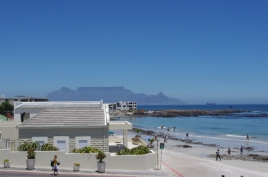 Cape Town Self Catering Accommodation - Villa On The Beach