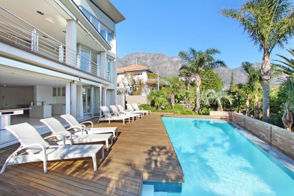 Camps Bay Self Catering – Anella II