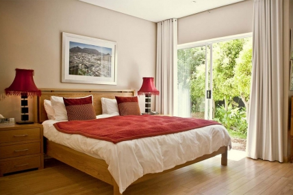 Cape Town Self Catering Accommodation - Navona Constantia Guest Cottage