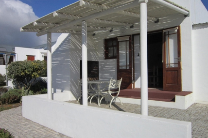 Cape Town Holiday Rentals - Dis Beau Tie Ful