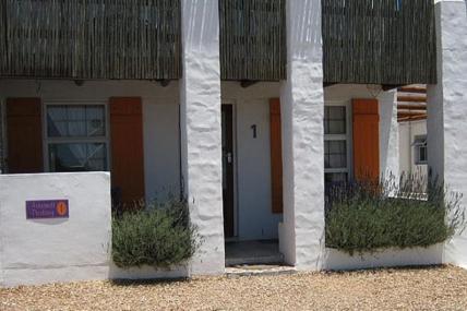 Cape Town Holiday Rentals - Astrandt 1
