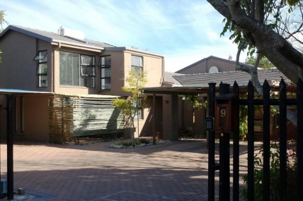 Cape Town Holiday Rentals - Absolute Bosch