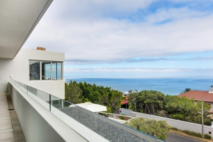 Camps Bay Self Catering – Hely Views