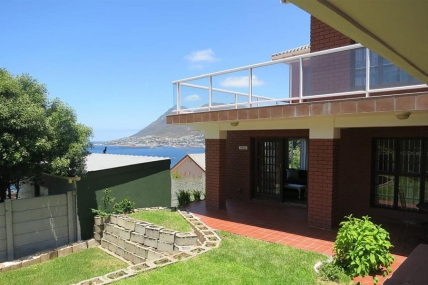 Cape Town Self Catering Accommodation - Penguin Blue Self Catering Apartments