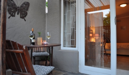 Cape Town Holiday Rental - Greenlawns Bed and Breakfast