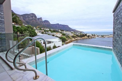 Camps Bay Self Catering – Bali Bliss