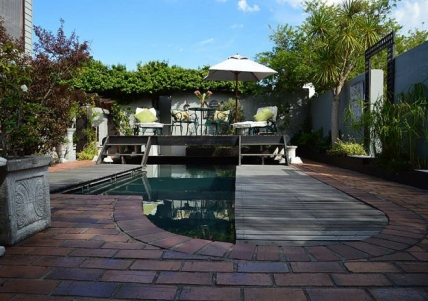 Cape Town Self Catering Accommodation - Harfield Guest Villa