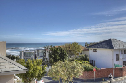 Cape Town Self Catering Accommodation - Berkley 7A