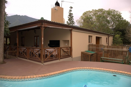 Cape Town Holiday Rental - ArendsRus Country Lodge