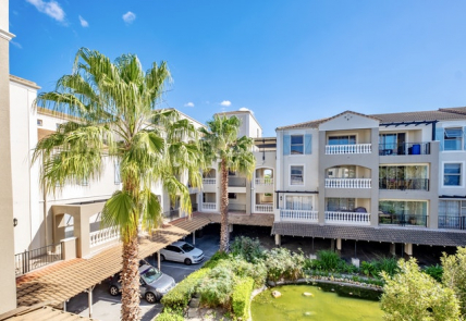 Canal Walk Accommodation – Bougain Villas Apartment