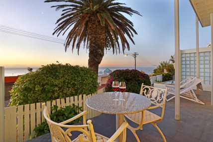 Cape Town Self Catering Accommodation - Indigo Bay - The Boat