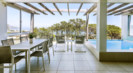 Cape Town Self Catering Accommodation - Blue Views - Penthouse 3