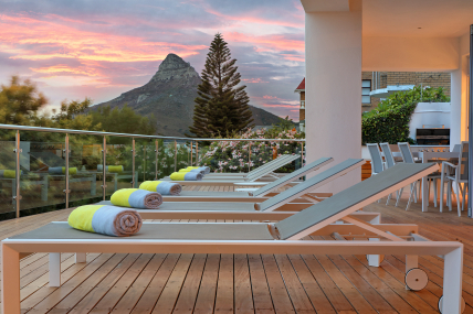 Cape Town Self Catering Accommodation - The Upper House